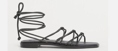 Sandaler 2021: snörade sandaler för dam.