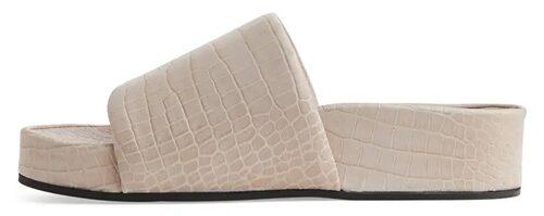 Snygga slip in-sandaler från Arket. Klicka på bilden och kom direkt till sandalerna.