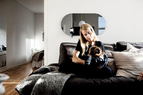 Ditte med yngsta dottern Della som har en cp-skada. Foto: Christian Gustavsson