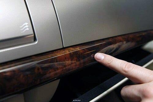 Knappen för öppning av handskfack i Jaguar XF trilskade ofta.