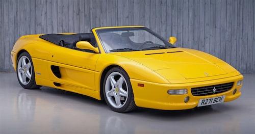 Så här ser en icke utbränd Ferrari F355 Spider ut.
