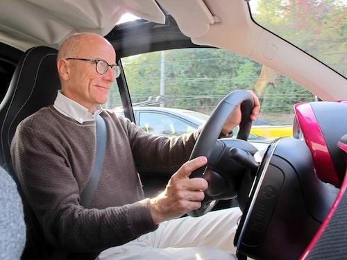 Precis som tidigare är det en kul bil att köra. En ny app gör det enklare att kontrollera laddnivå och laddning.
