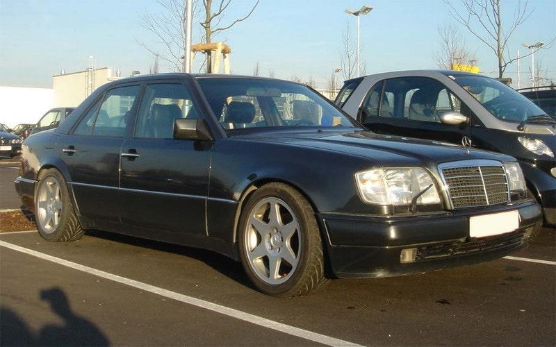 Så här ser en W124 ut original, här i E 500-utförande.