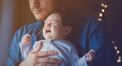 Vi är biologiskt programmerade för att reagera med stress när vi hör vårt barn skrika.