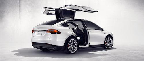 Model X, som ännu inte har lanserats i Sverige, berörs även den av uppdateringen av mjukvaran.