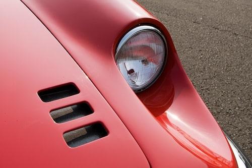 Farhågorna att de små och billiga modellerna skulle urvattna Ferrari-namnet kom på skam.