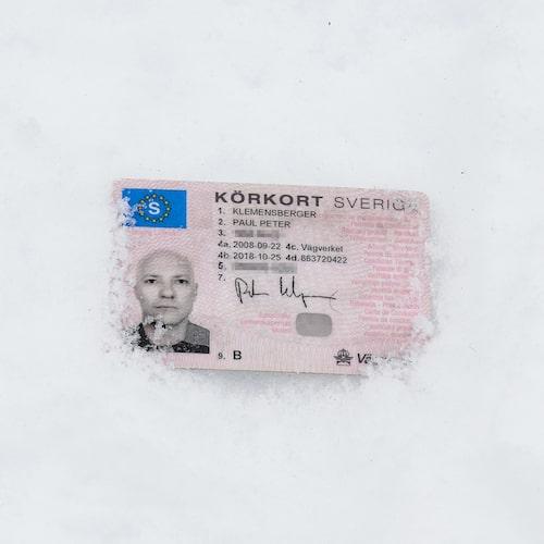 Kontokort eller körkort som isskrapa