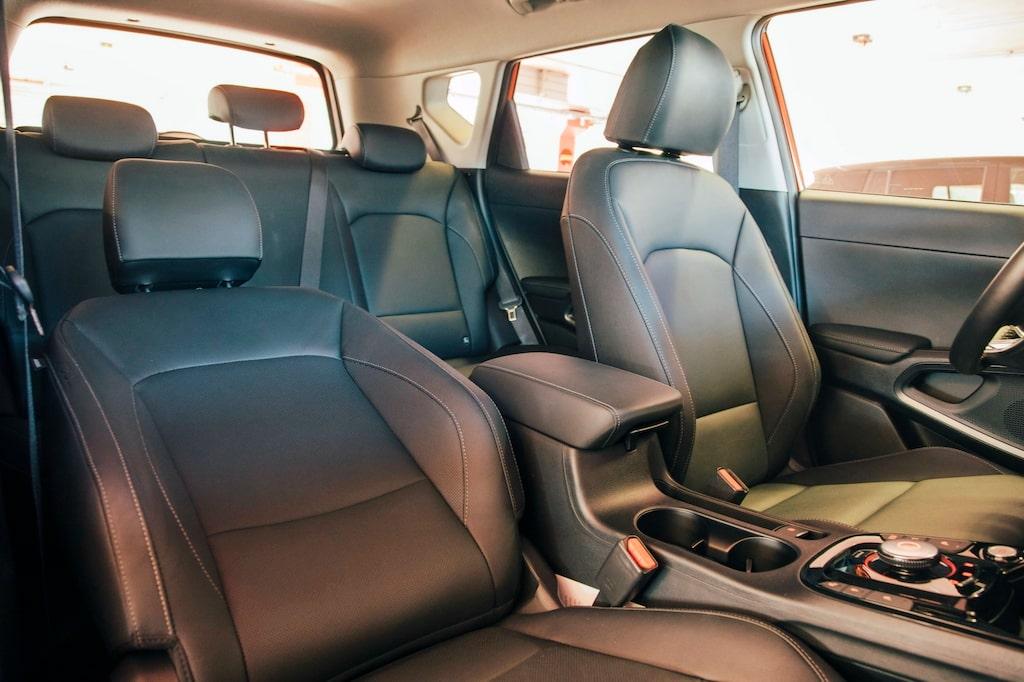Bättre komfort och sittposition i e-Soul. Stolarna fungerar bra på långfärden. Alltså max 45 mil.