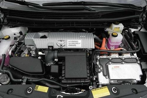 Motorn  har vuxit till 1,8 liter men har också blivit snålare, tack vare kylning och återcirkulering av avgaserna. Den större motorn ger bättre motorvägsegenskaper.