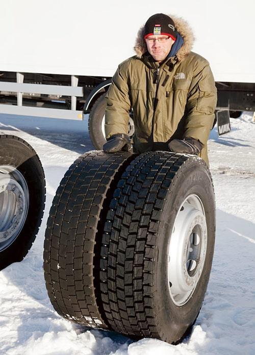 Teknikens Världs Linus Pröjtz under testarbetet.