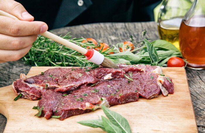 Marinera ditt kött med öl idag på ölets dag
