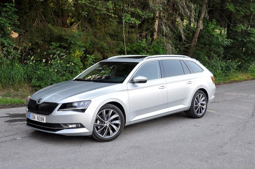 Dieselmotorn är på två liter och 190 hästkrafter, samma som till exempel i Volkswagen Passat. Förbrukningen med fyrhjulsdrift stannar på 0,51 liter per mil.