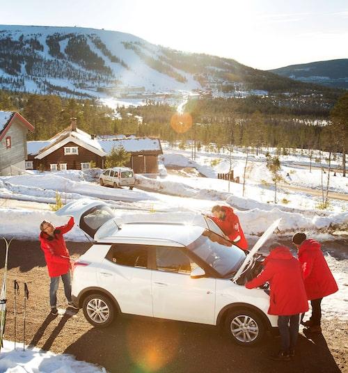 Testlaget nagelfar nya Tivoli. Nöjesfältet i bakgrunden är Granfjällsstöten i norra Sälen.