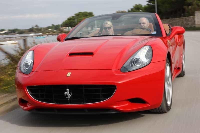 Provkörning av Ferrari California