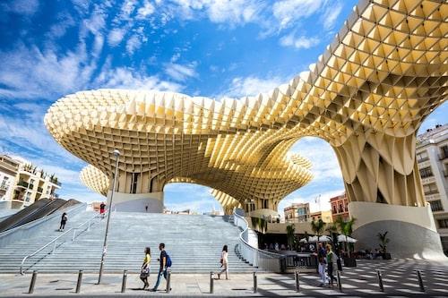 Metropol parasol är ett av Sevillas landmärken.