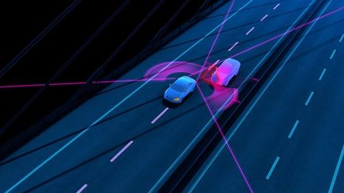Volvo Blind Spot Information (BLIS) med styrassistans innebär att systemet inte bara, som tidigare, varnar föraren för fordon i döda vinkeln, utan även styr undan om så behövs för att undvika sammanstötning.
