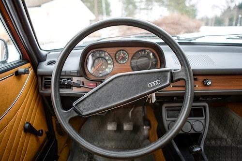 Att köra Audi 80 är inte värst kul. Men vad som däremot är det, är att en så här gammal bil kan kännas så fräsch. En ungdom i gamla kläder!
