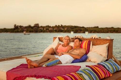 Ovanpå undervattenshotellet tillhörande Manta Resort finns en härlig dagbädd att mysa på.