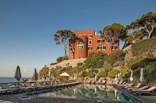 Från hotell Mezzatorre på Ischia har ni en utsikt som heter duga.