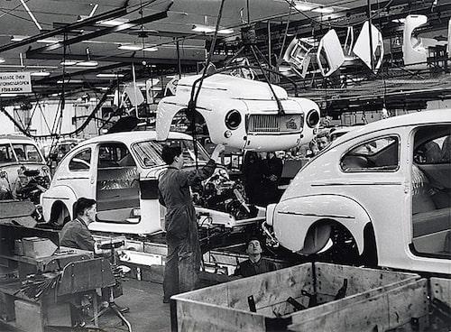 Framgångarna med PV 444 ledde till att Volvo blev en storkoncern. Vid slutet av 1950-talet fanns över 100 återförsäljare bara i Sverige och omsättningen började närma sig en miljard kronor per år.