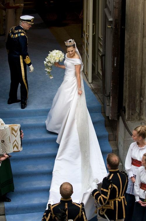 Kronprinsessan Victorias bröllopsklänning var designad av Pär Engsheden.