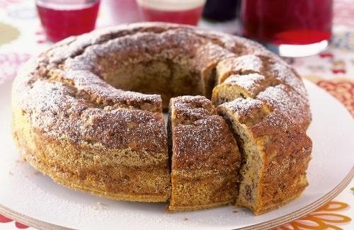 Banan i smeten gör kakan saftig och extra god.
