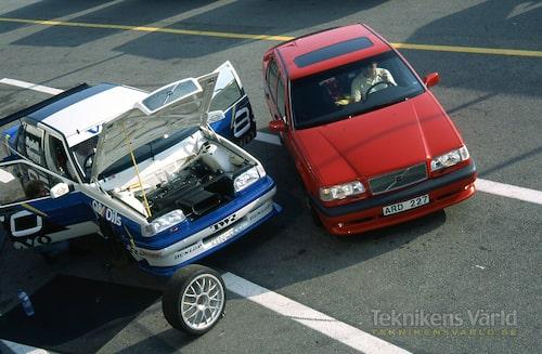 Volvos allt starkare satsning på snabba och prestigebetonade bilar backas upp av ett fabriksstall i brittiska standardvagnsmästerskapet.