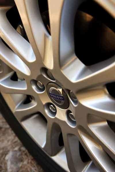 17-tumshjul är standard.