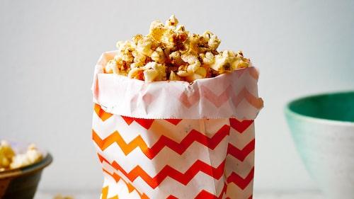 Recept på popcorn med fänkål- och chilisalt.