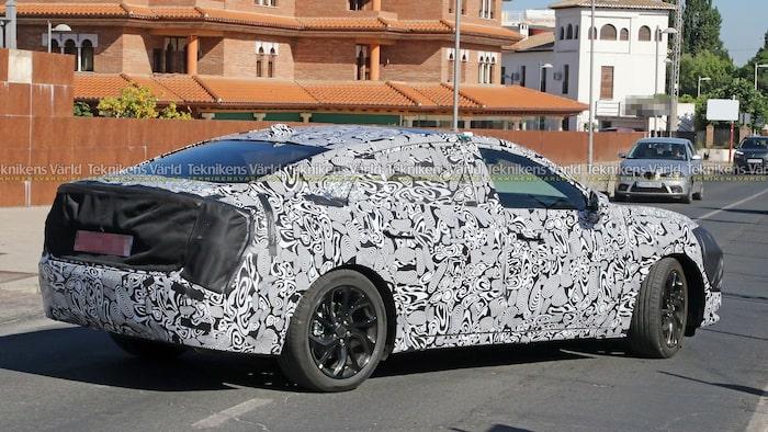 Ford Evos blir ingen crossover i Europa, utan en sedan vad det ser ut.