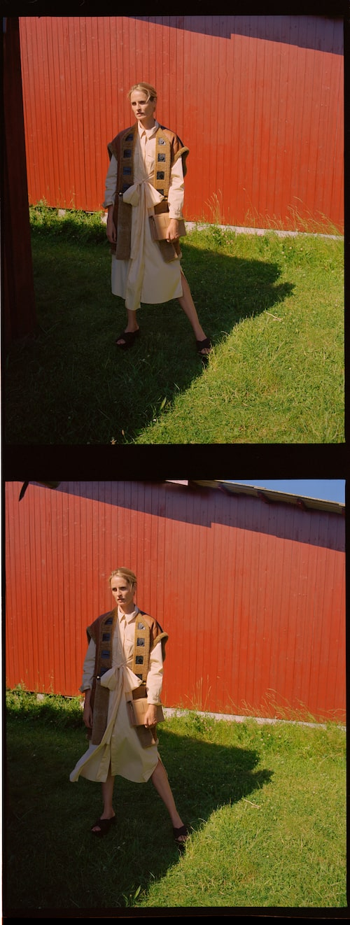 Skjortklänning av bomull, 2 105 kr, L'art/thefrankieshop.com Vändbar väst av fårskinn, 57 000 kr, Louis Vuitton. Handväska av skinn, 2 110 kr, ADAX Copenhagen. Platåsandal av skinn, pris på förfrågan, Moncler.