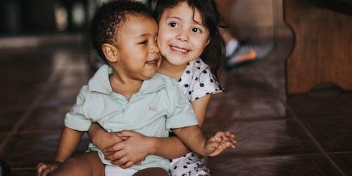 Barn som är nära varandra i ålder bråkar ofta mer.