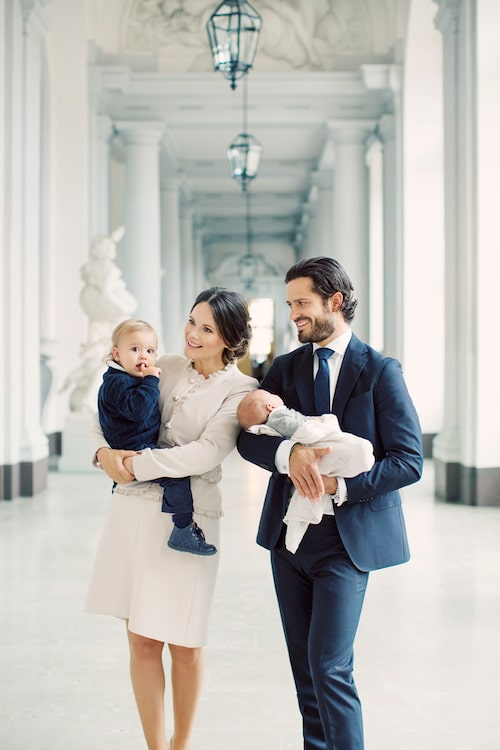 De nya bilderna på prinsfamiljen är tagna av Erika Gerdemark på Kungliga slottet i Stockholm.