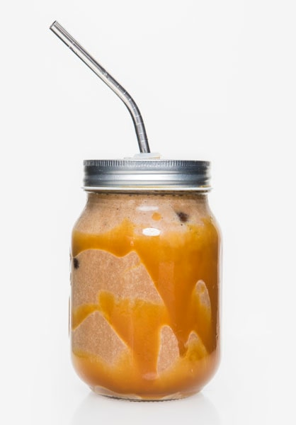 Tips! En skvätt god rom, amaretto,Irish Cream, eller essens med smak av Irish Cream, gör drinken syndigt vuxen.