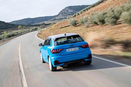 Audi är inte särskilt tydliga med att det här är en snabb bil. 200 hästkrafter resulterar i 0-100 km/h på 6,5 sekunder.