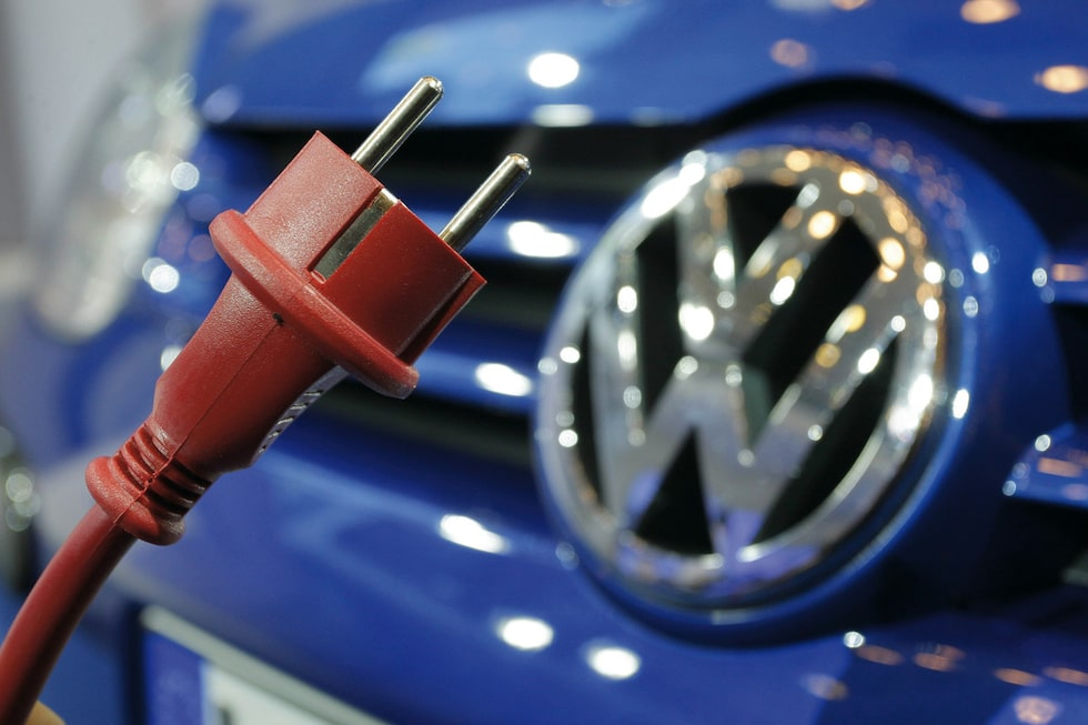 110509-vw plug in-hybrid