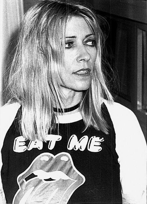 """""""Kim Gordon har alltid inspirerat med sina printade t-shirts."""""""