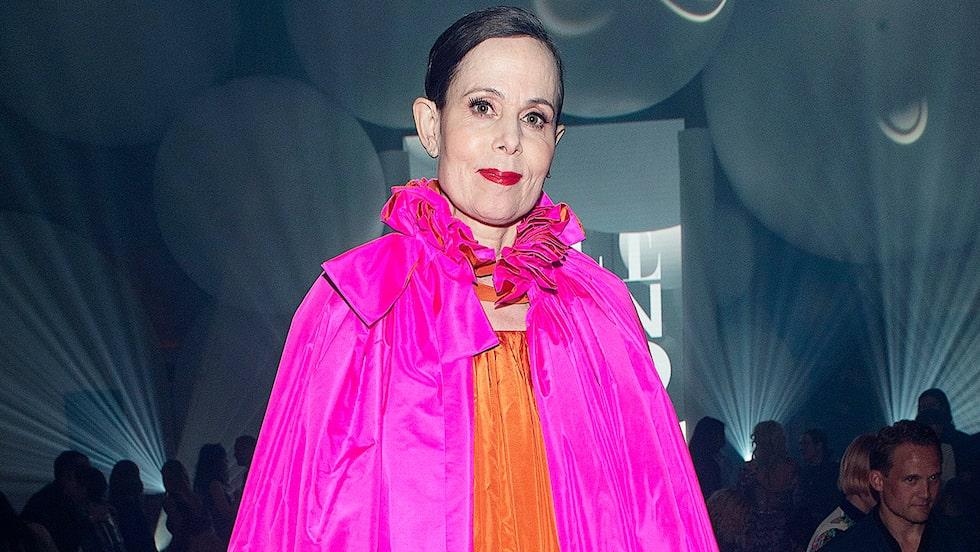 Se Sara Danius kända nobelklänningar, designade av Pär Engsheden, i nya utställningen på Nationalmuseum i Stockholm.