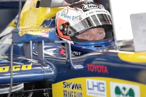 I Super Formula kör Felix Rosenqvist för Le Mans-teamet.