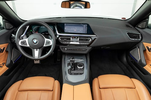 Sittbrunnen erbjuder senaste utförandet av BMW-snitt. Mycket effektsökeri.