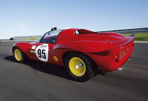 Ferrari 206 S Dino med chassinummer 006, vilket liv den har levt. Nürburgring, Targa Florio och Brands Hatch. Och så Knutstorp förstås.