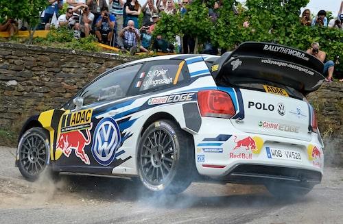 Sébastien Ogier och Julien Ingrassia har vi vant oss vid att få se på podiumet med sin Volkswagen Polo WRC. För bara några veckor sedan säkrade duon sin fjärde raka WRC-titel. Nu är det slut på en era då Volkswagen lägger ned WRC-satsningen.