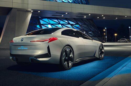 BMW i Vision Dynamics var en tidig förhandsvisning av vad vi kan vänta oss av BMW i4