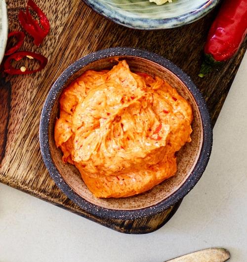 Mild, medium eller stark? Variera din röra genom att själv bestämma hur mycket chili du blandar i.