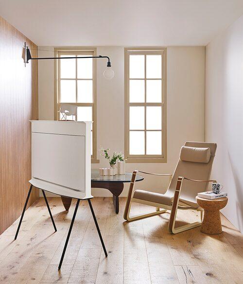 Med ett löstagbart stativ kan TV:n enkelt byta plats i hemmet.