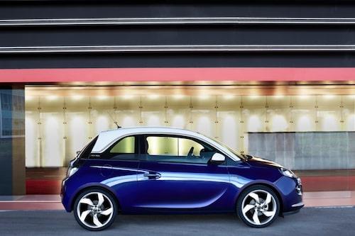 I ett senare skede kommer även en mindre direktinsprutad och turboladdad bensinmotor att erbjudas, som kommer tillsammans med en ny sexväxlad låda. Opel nämner dock inget om en eventuell eldriven version, som tidigare spekulerats om.