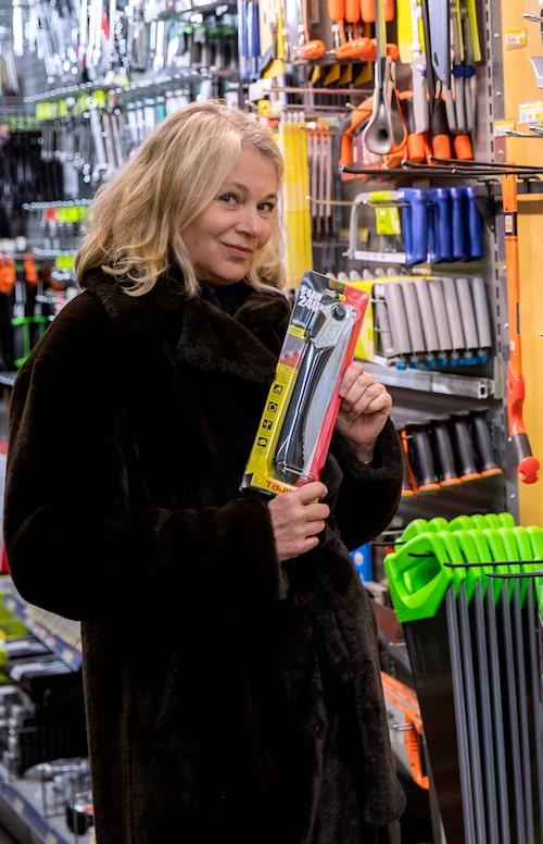 """Järnia, Hornsgatan 69: """"Jag gillar att det här är en affär där jag inte vet någonting om utbudet och jag gillar deras kunnande. Jag gick in här en gång och skulle köpa en såg och fattade inte ens att det fanns olika sorter."""""""