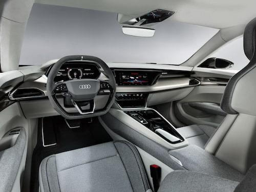 Audi har satsat på en interiör med enbart hållbara material. Interiören är en så kallad vegan interiör. Syntetiskt läder, återanvända fibrer av gamla fiskenät och mycket annat.