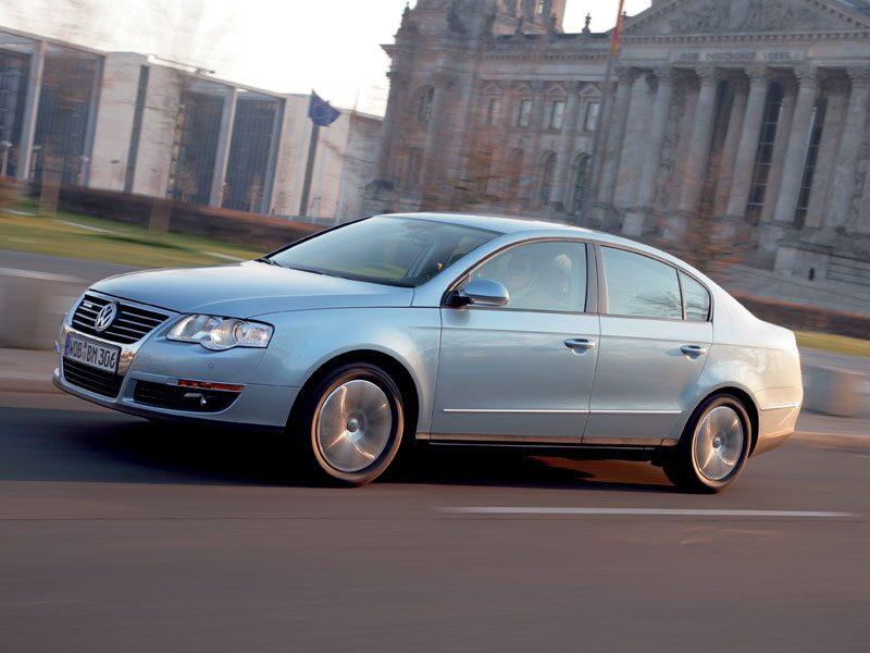 Dieselmotorn på 1,9 liter med turbo ger 105 hästkrafter och 250 Nm. Det är samma siffror som för en vanlig Passat 1,9 TDI. Ändå sjunker förbrukningen vid blandad körning från 0,57 till 0,51 liter per mil.