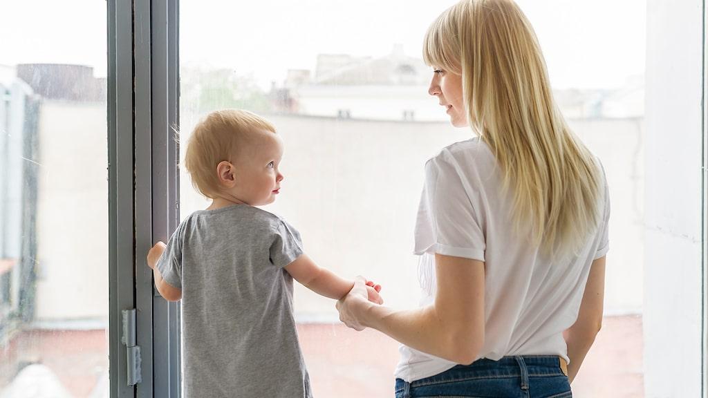 När barnet hittills har tillbringat hela sitt liv hemma, med en föräldraledig förälder – hur ska det gå att börja i förskolan?